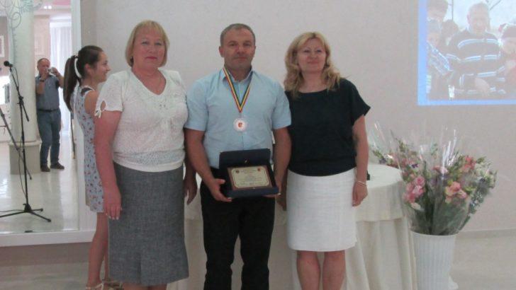 """La Cimișlia au fost premiați  """"Cei mai buni antreprenori din sectorul Întreprinderilor Mici și Mijlocii"""""""